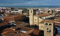 El turismo no duerme siesta en Cáceres